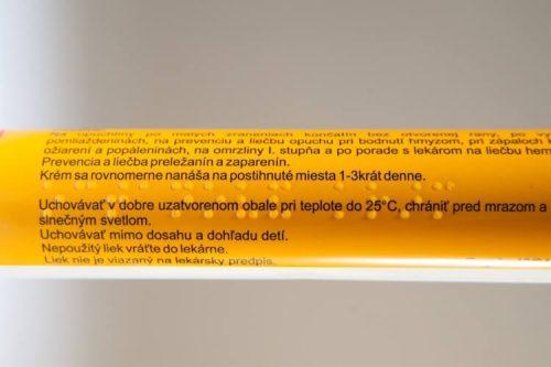 Etikety se slepeckým písmem